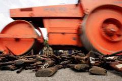 extnews_2005-07-08T142725Z_01_NOOTR_RTRIDSP_2_OUKOE-CRIME-SRILANKA-ARMS