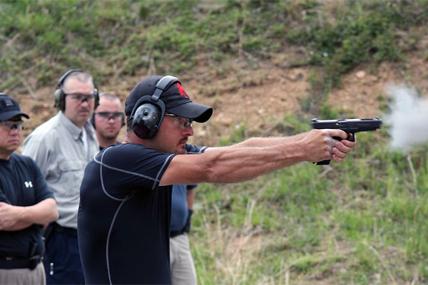 Photo via pistol-training.com